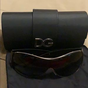 🥰Auth dolce & Gabbana  shield sunglasses